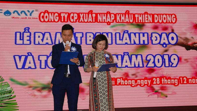 MC công bố lễ tổng kết 2019 Famy - Thiên Dương bắt đầu