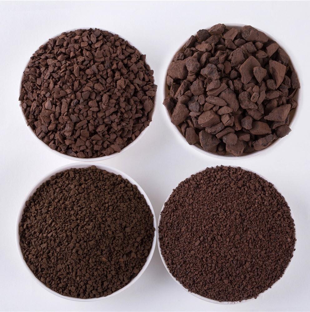 Các kích cỡ hạt khác nhau của cát Mangan
