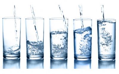 Cách tính lượng nước cần uống mỗi ngày phù hợp với cân nặng của bạn