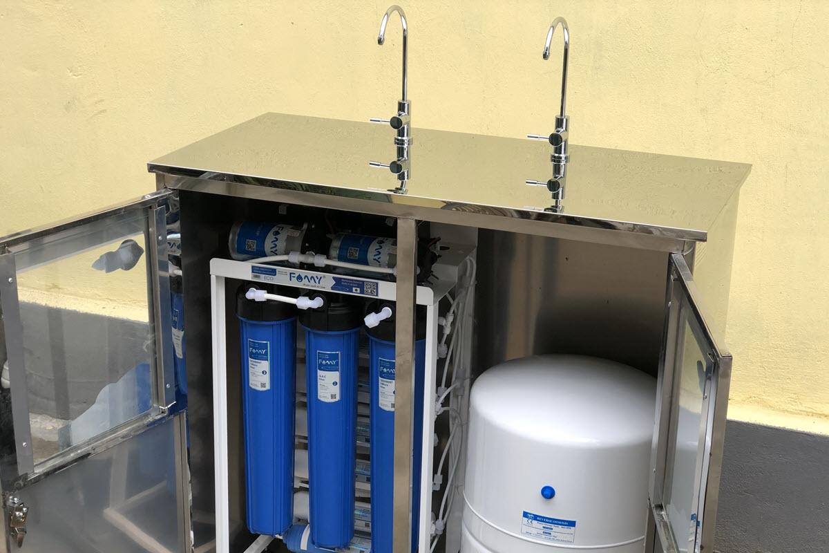 Máy lọc nước RO bán công nghiệp FAMY FA70IQ-2 công suất 70 lít/giờ tủ đôi inox 2 vòi