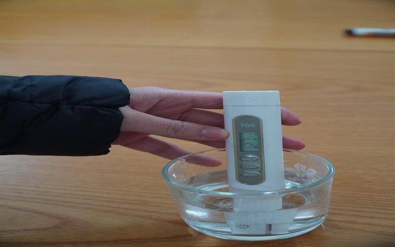 bút thử độ mặn của nước.jpg