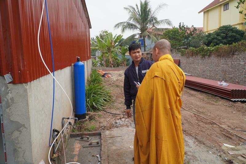 sư thầy chùa Pháp Linh (1).jpg