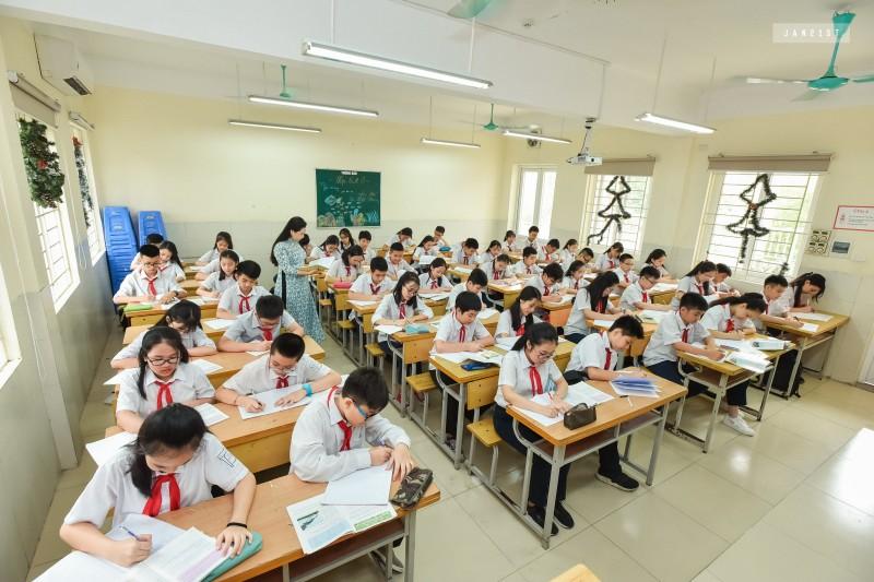 Máy lọc nước RO sử dụng trong trường học.jpg