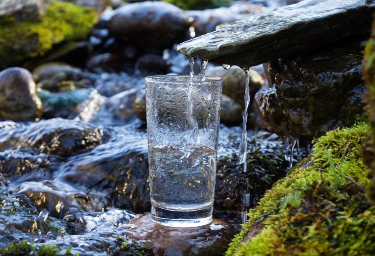 nguồn nước ô nhiễm.jpg