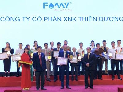 Lễ đón nhận giải thưởng Top 30 Sao vàng thương hiệu Việt Nam